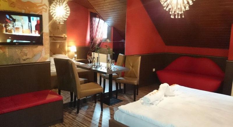 2_corvin_hotel_gyula